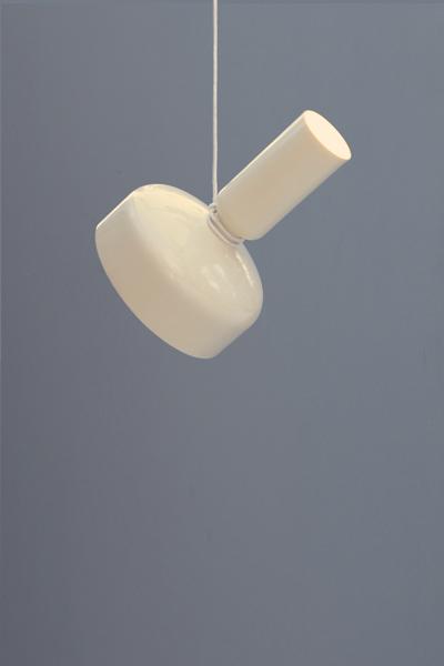 71_lukas-peet---hanging-spotlight-33