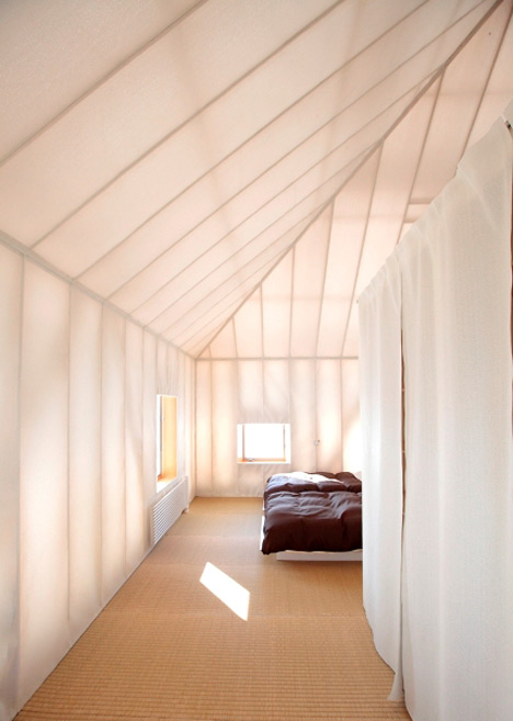 dezeen_Meme-Meadows-Experimental-House-by-Kengo-Kuma-and-Associates_11