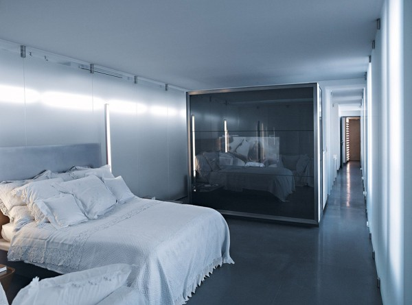 karl-lagerfeld-parisian-apartment-6-600x445