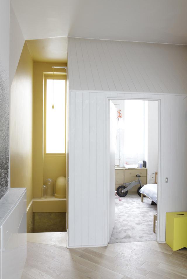 Paris-Loft-Apartment-by-Gregoire-De-Lafforest-Yellowtrace-09