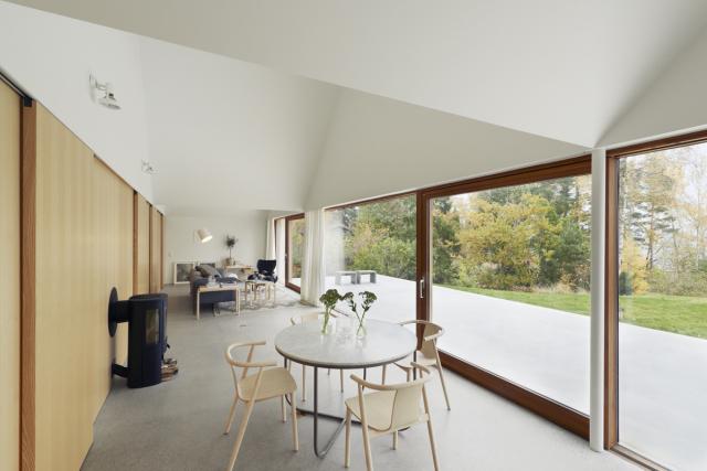 Tham-and-Videgard-Arkitekter-Summerhouse-Lagno-Yellowtrace-10