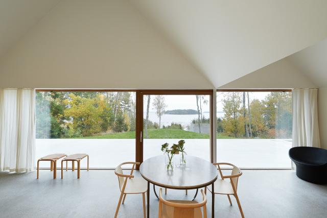Tham-and-Videgard-Arkitekter-Summerhouse-Lagno-Yellowtrace-11
