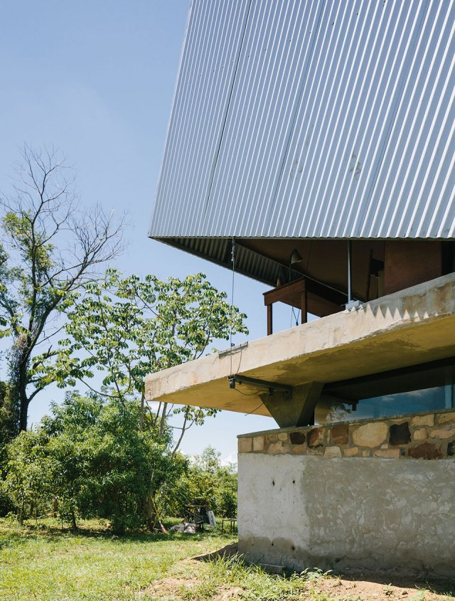 The-Caja-Oscura-House-Paraguay-by-Javier-Corvalan-Yellowtrace-10