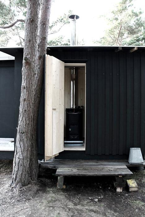 dezeen_Ermitage-cabin-by-Septembre-Architecture_17