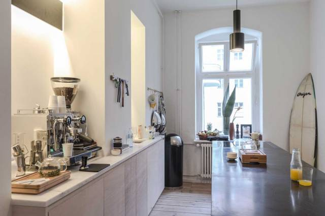 Fvf-Apartment-By-Freunde-Von-Freunden-and-Vitra-Berlin-Yellowtrace-04